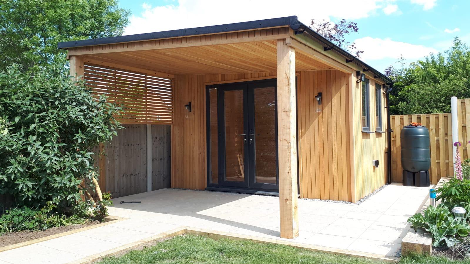 //Brand-new luxurious garden rooms; designed, delivered and installed by Spolding and Sons.